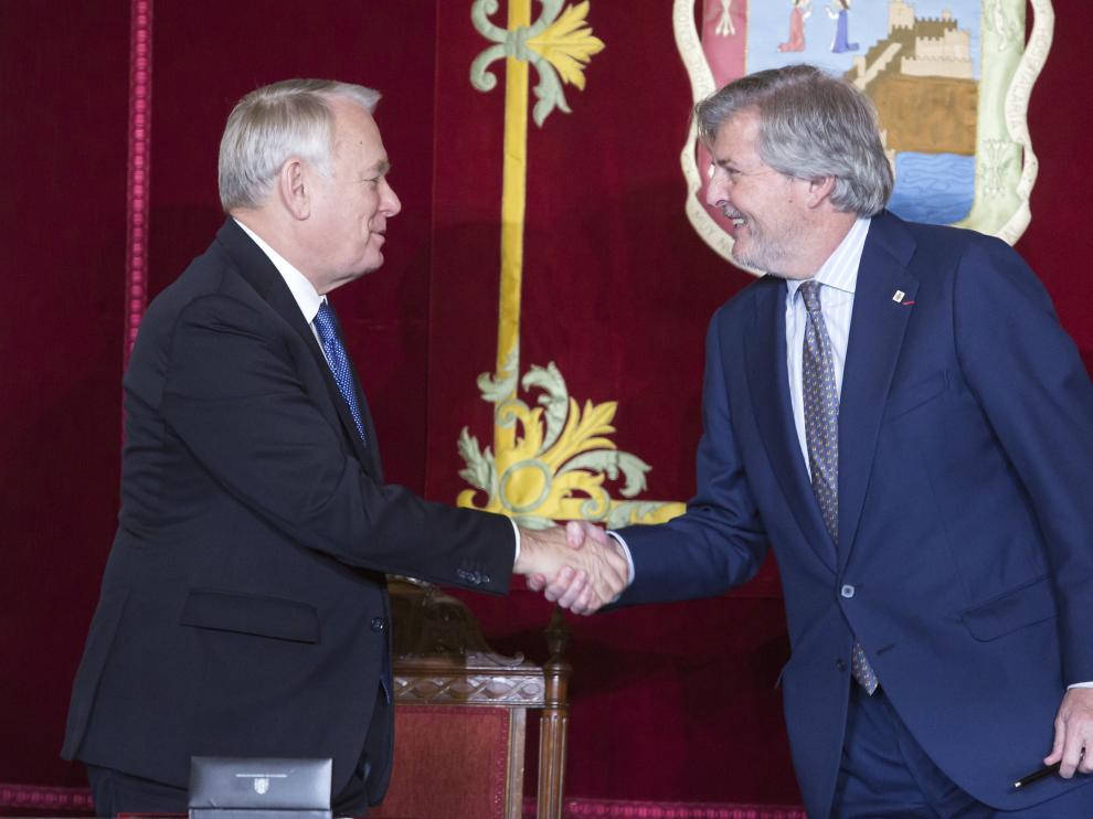 Íñigo Méndez de Vigo y el ministro de Asuntos Exteriores francés Jean Marc Ayrault