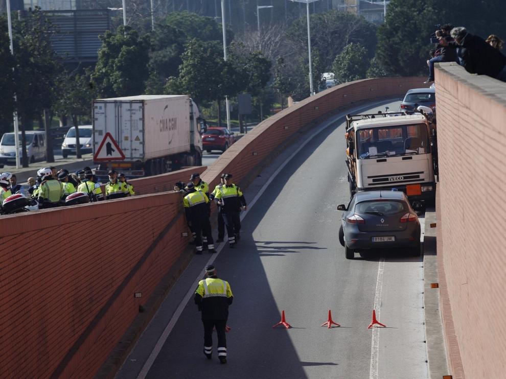 Los Mossos d´Esquadra han detenido al conductor de un camión robado que conducía en dirección contraria.