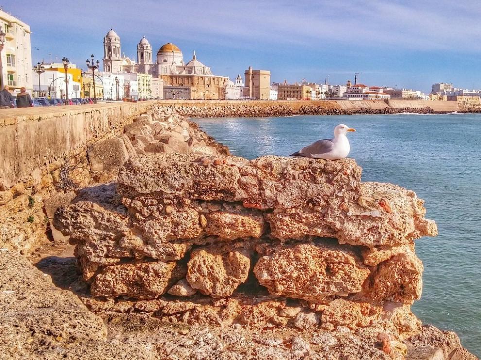 La ciudad más antigua de España mira siempre al mar.