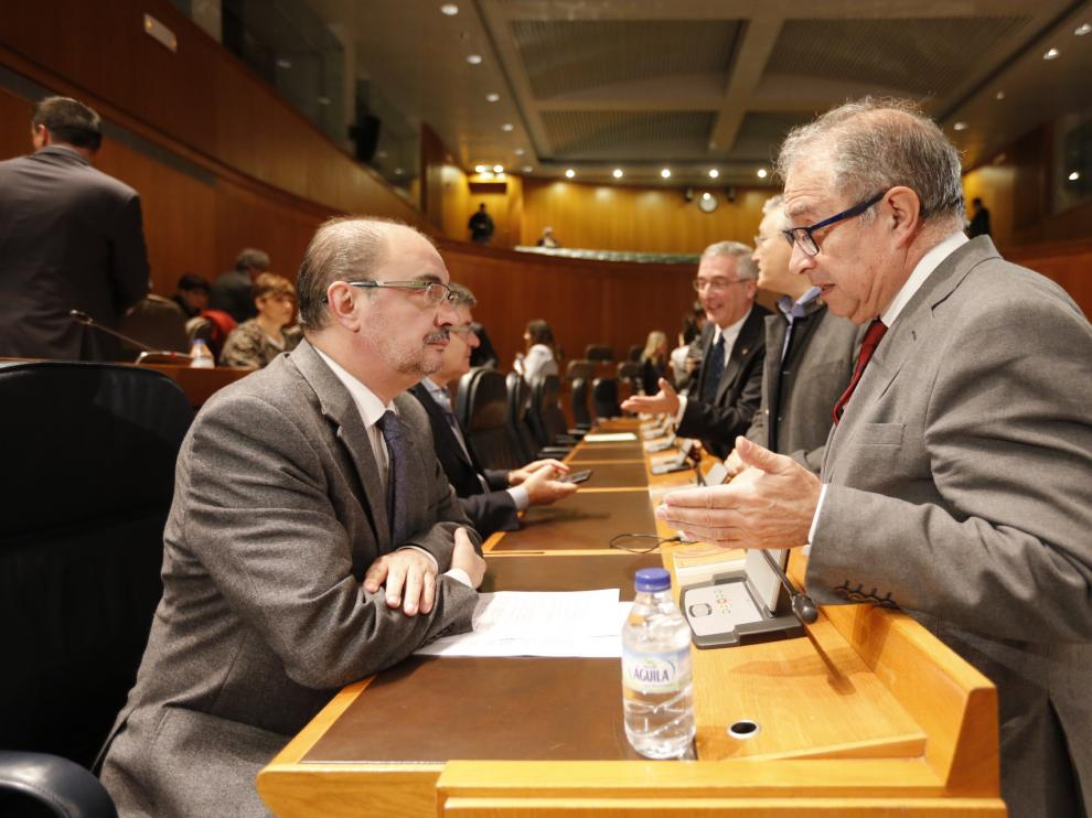 Lambán explica al pleno el acuerdo con BonÀrea