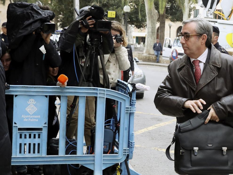La Audiencia de Baleares deja en libertad provisional a Torres y le retira el pasaporte