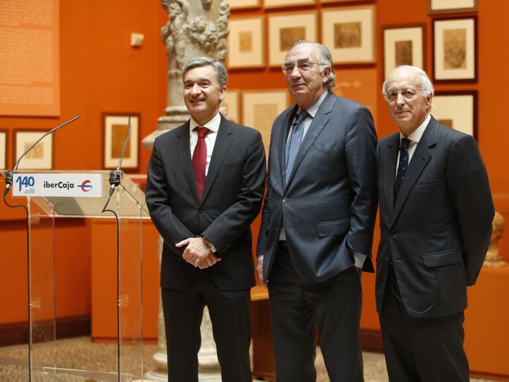 Víctor Iglesias,Amado Franco y José Luis Aguirre, en la presentación de los resultados de Ibercaja