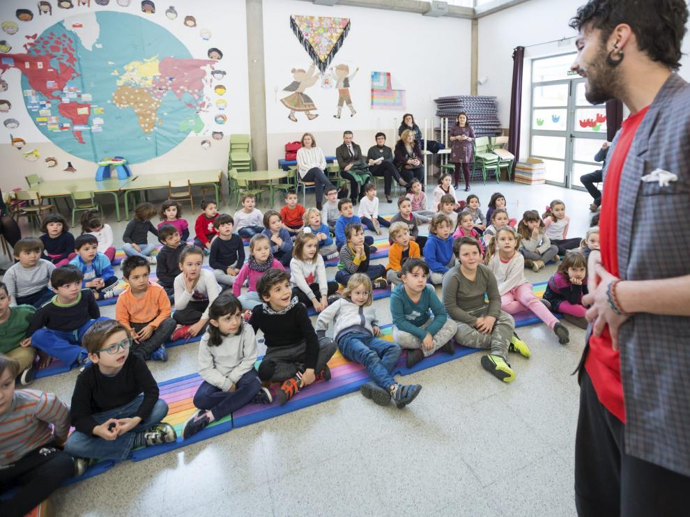 El colegio El Espartidero (Santa Isabel) se convirtió ayer en un espacio libre de gluten
