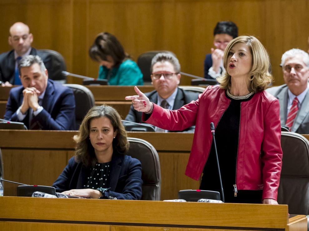 La portavoz del PP, Mar Vaquero, en la sesión de control al Gobierno, ayer en las Cortes.