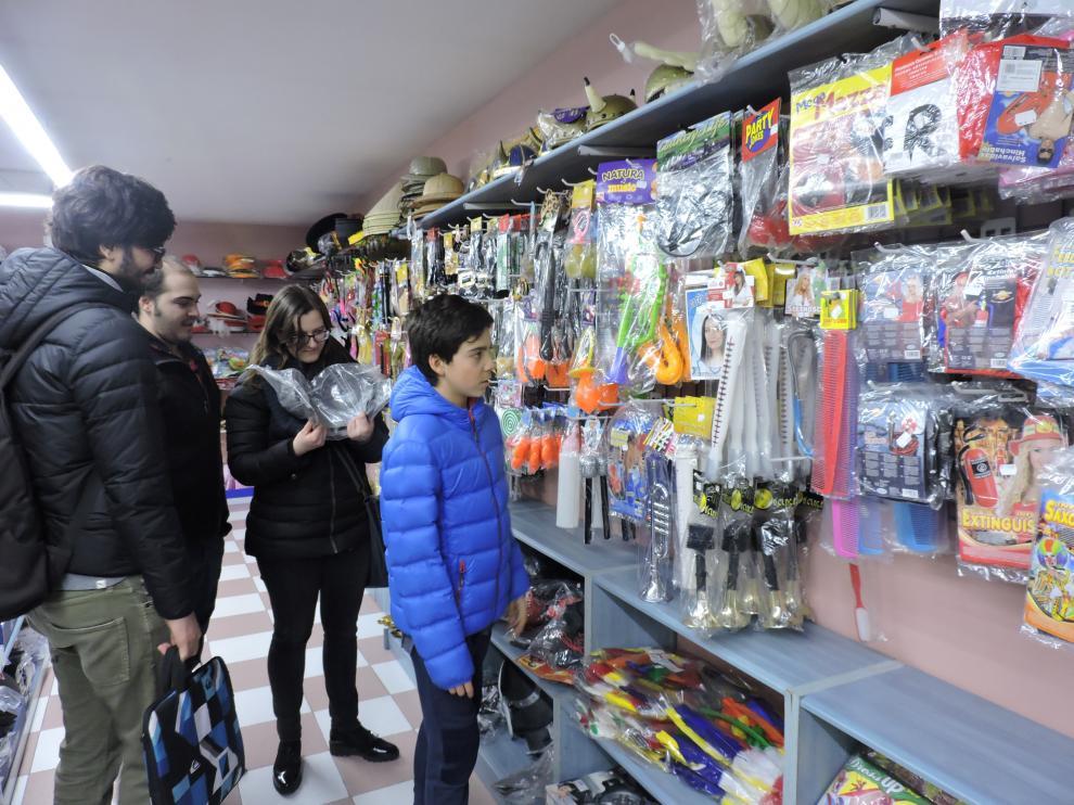 Los más pequeños se preparan para el carnaval de Huesca