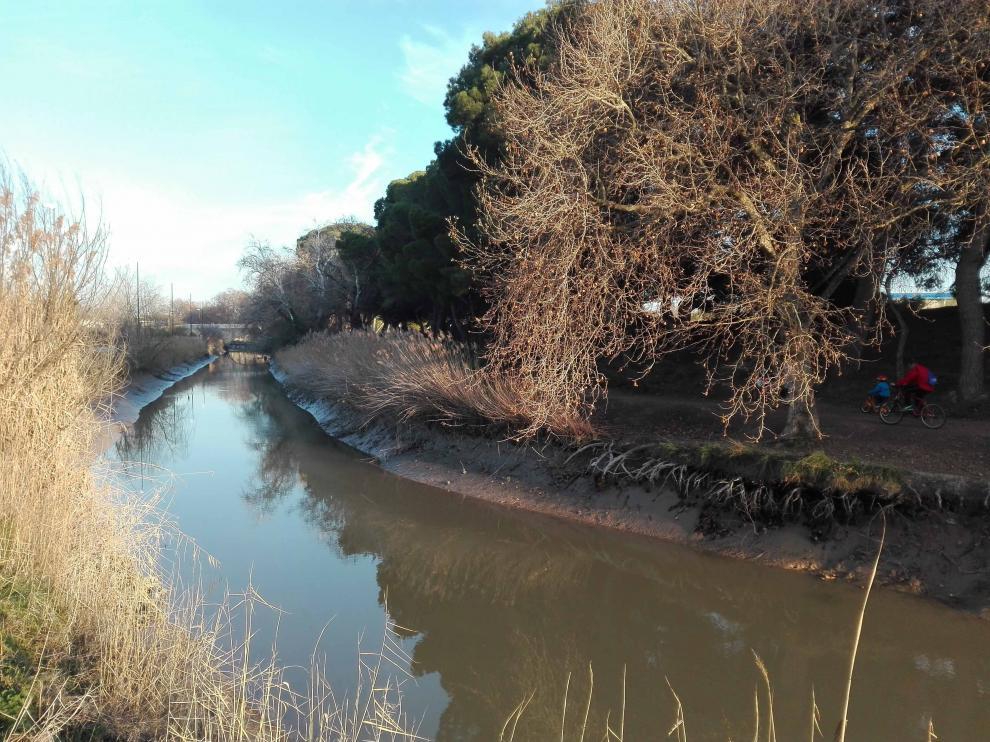 Entorno del Canal, a su paso por Valdefierro