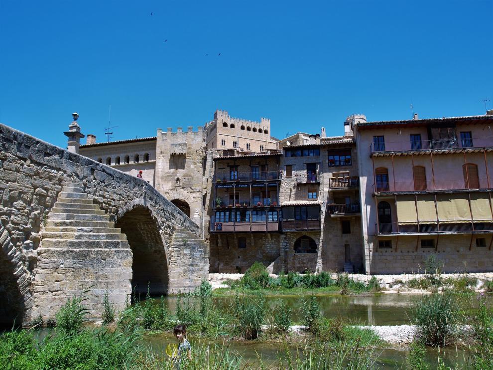 Valderrobres, en la comarca del l Matarraña, es uno de los pueblos que son perfectos para visitar.