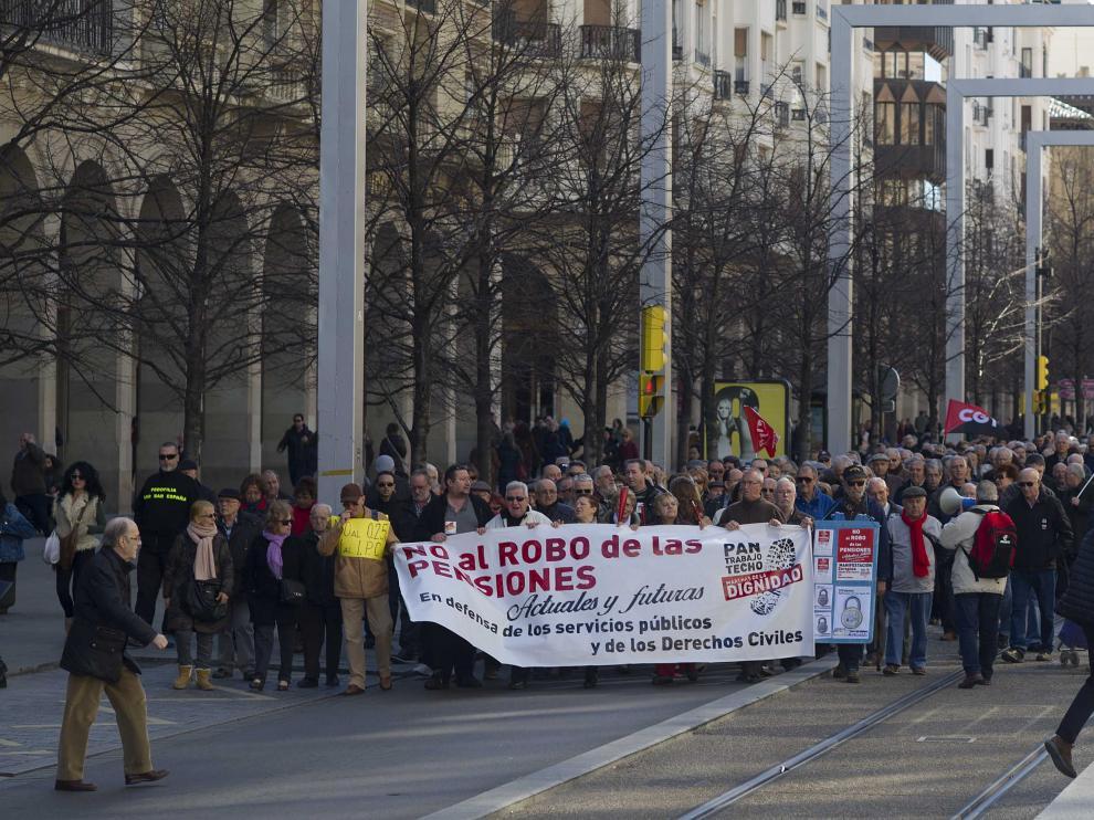Las Marchas de la Dignidad piden en Zaragoza mejorar las pensiones