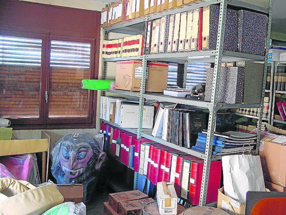 Depósito y almacén de documentos en Escatrón.