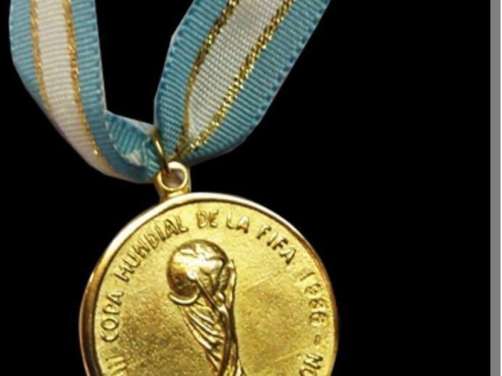 La medalla de Maradona que se ha subastado por más de 9.000 dólares.