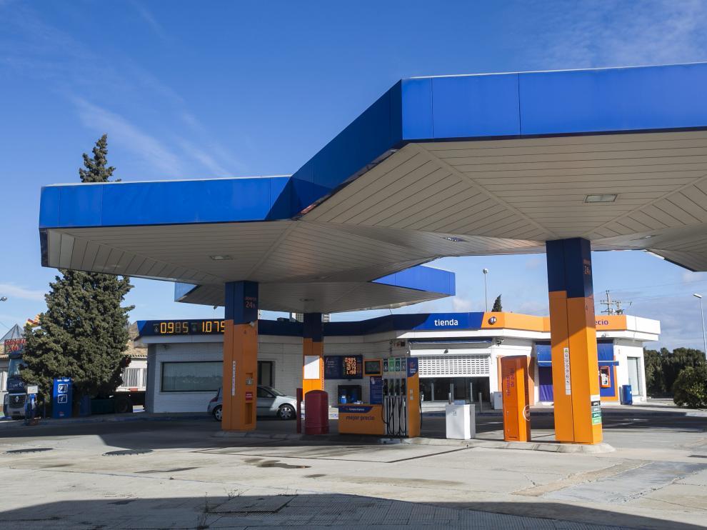 Gasolinera de bajo coste junto al polígono de Malpica de la capital aragonesa.