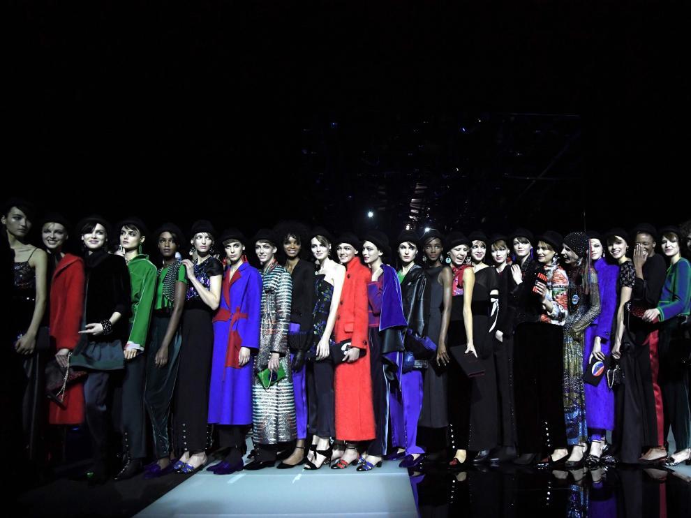 Desfile del diseñador Giorgio Armani en la Semana de la Moda de Milán