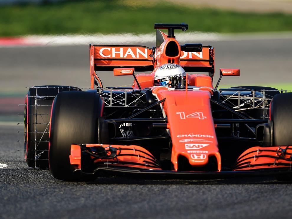 Alonso rodando con su nuevo coche.