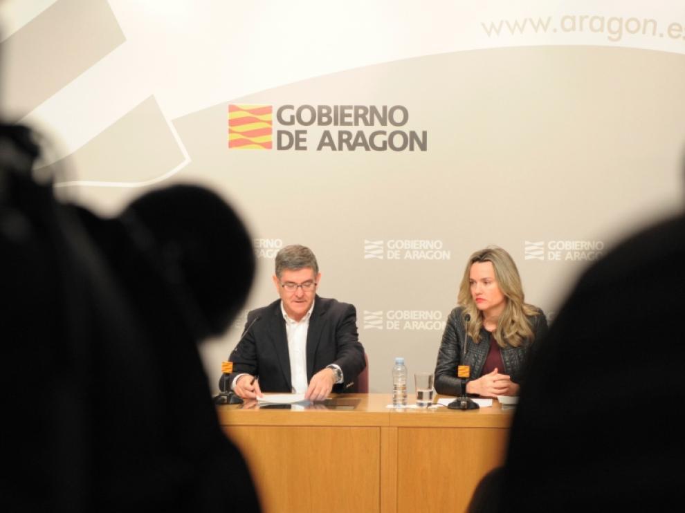 Vicente Guillén y Pilar Alegría, este martes durante su comparecencia tras el Consejo de Gobierno.