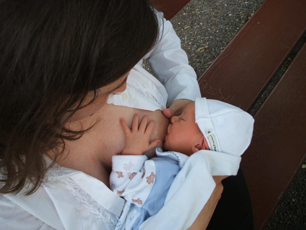 La leche materna es el mejor seguro de vida para los niños menores de 6 meses.