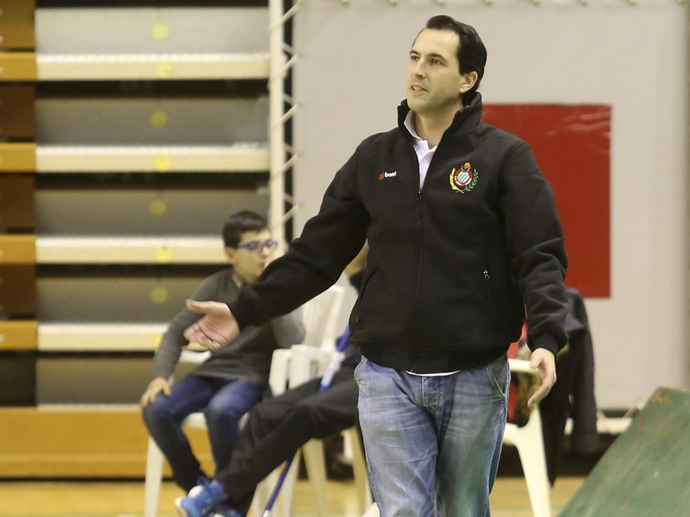 Imagen del entrenador del Magia de Huesca