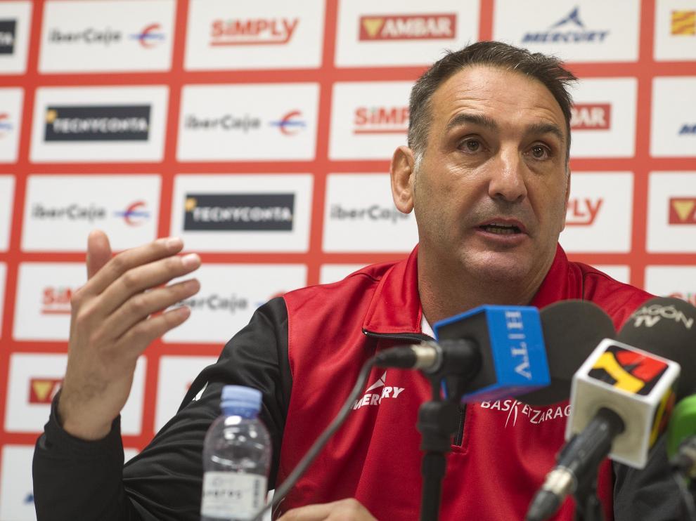 Luis Guil, entrenador del Tecnyconta