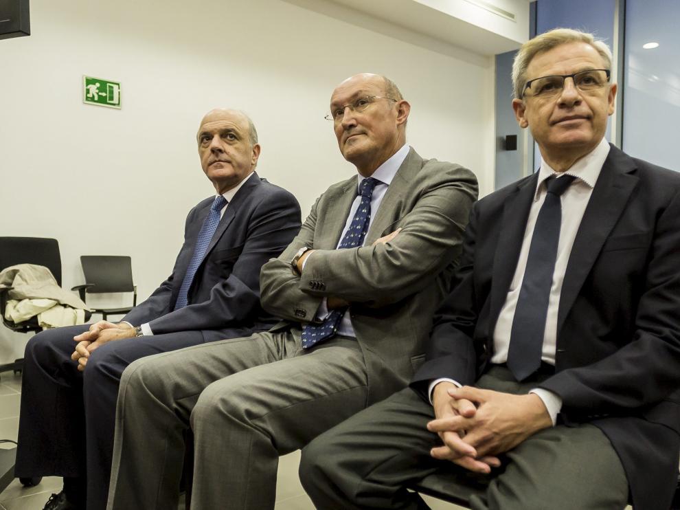 Tomás García Montes, Javier Alfaro y Ramón Marrero durante el juicio.