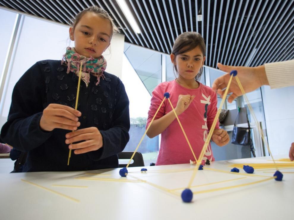 Los talleres de 'Una ingeniera en cada cole' llegan a primaria