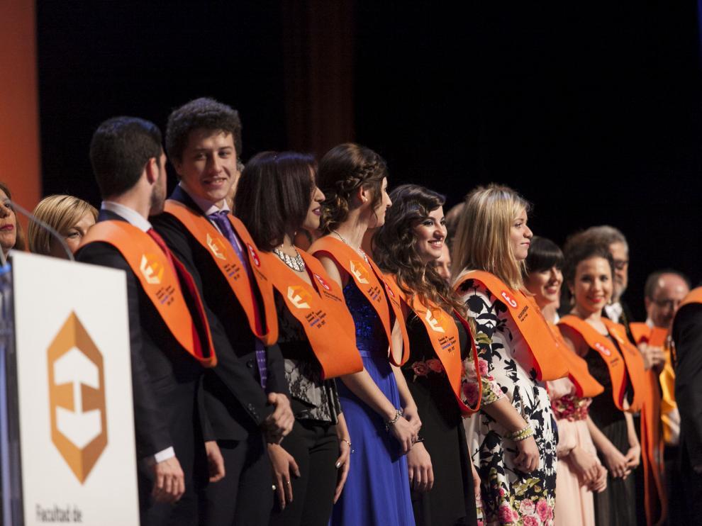 Acto de graduación de la promoción 2013-2017 de la Facultad de Economía y Empresa, este viernes en el Palacio de Congresos de la Expo.