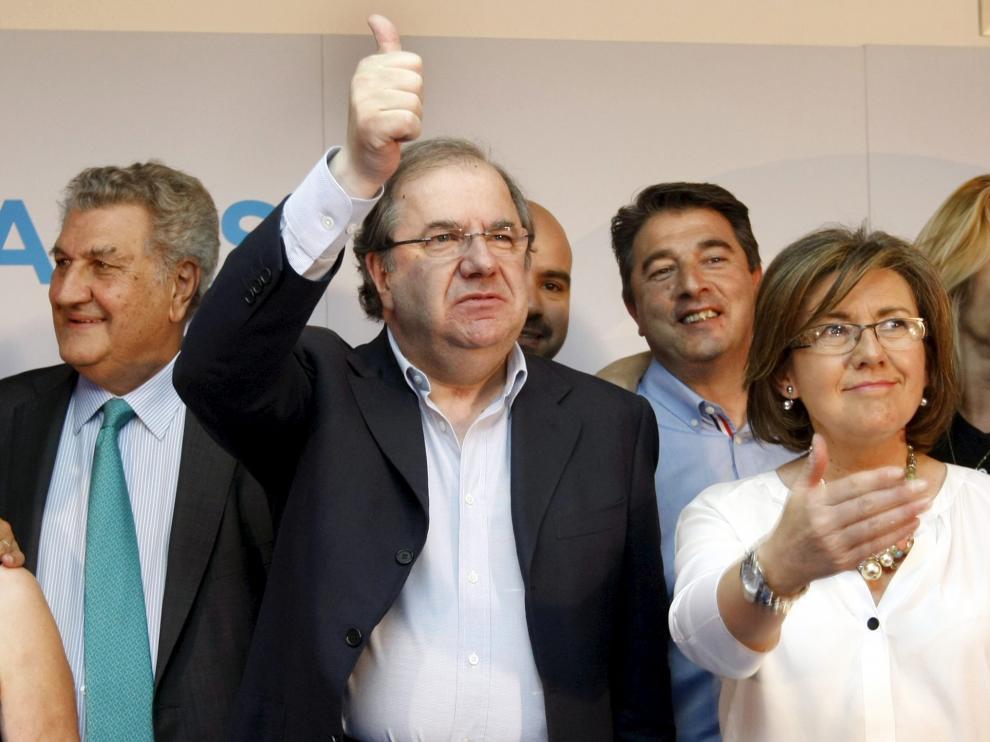 La presidenta del PP de Soria Marimar Angulo junto a Juan Vicente Herrera en un acto electoral en Soria