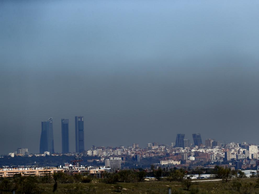 Una nube de contaminación sobre Madrid.