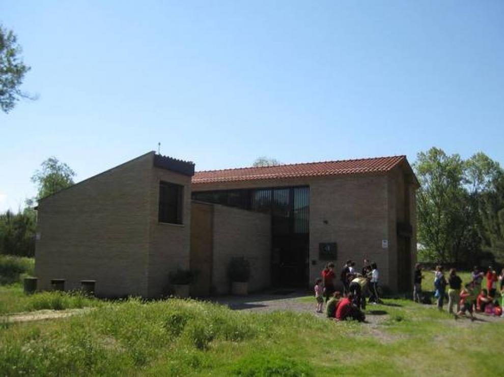 Las visitas de escolares son frecuentes en el centro de la Pinzana.