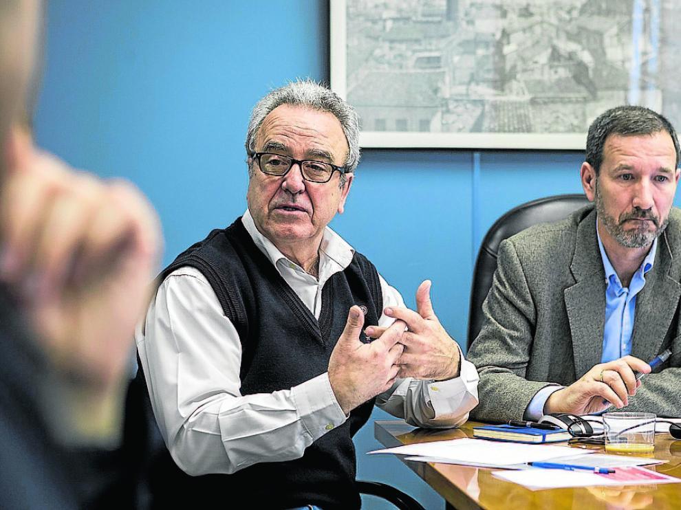Los arquitectos Ricardo Marco y Pablo de la Cal, ayer en la presentación del documento