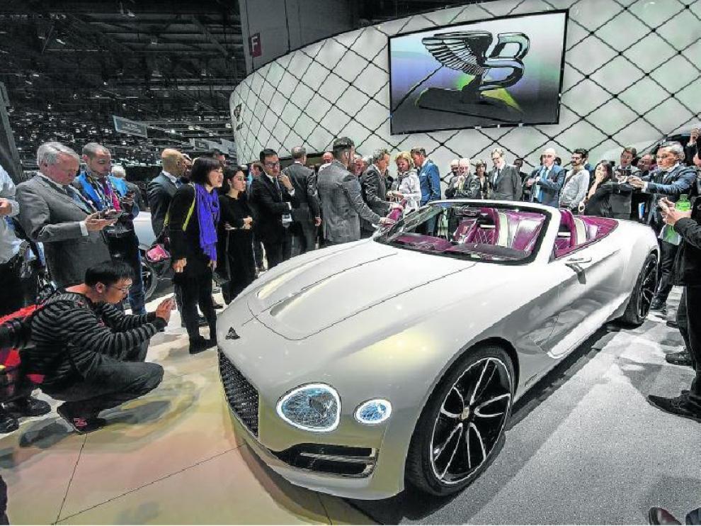 Espectacular lució el nuevo New Bentley Super Sports presentado en el Salón del Automóvil de Ginebra el pasado martes.