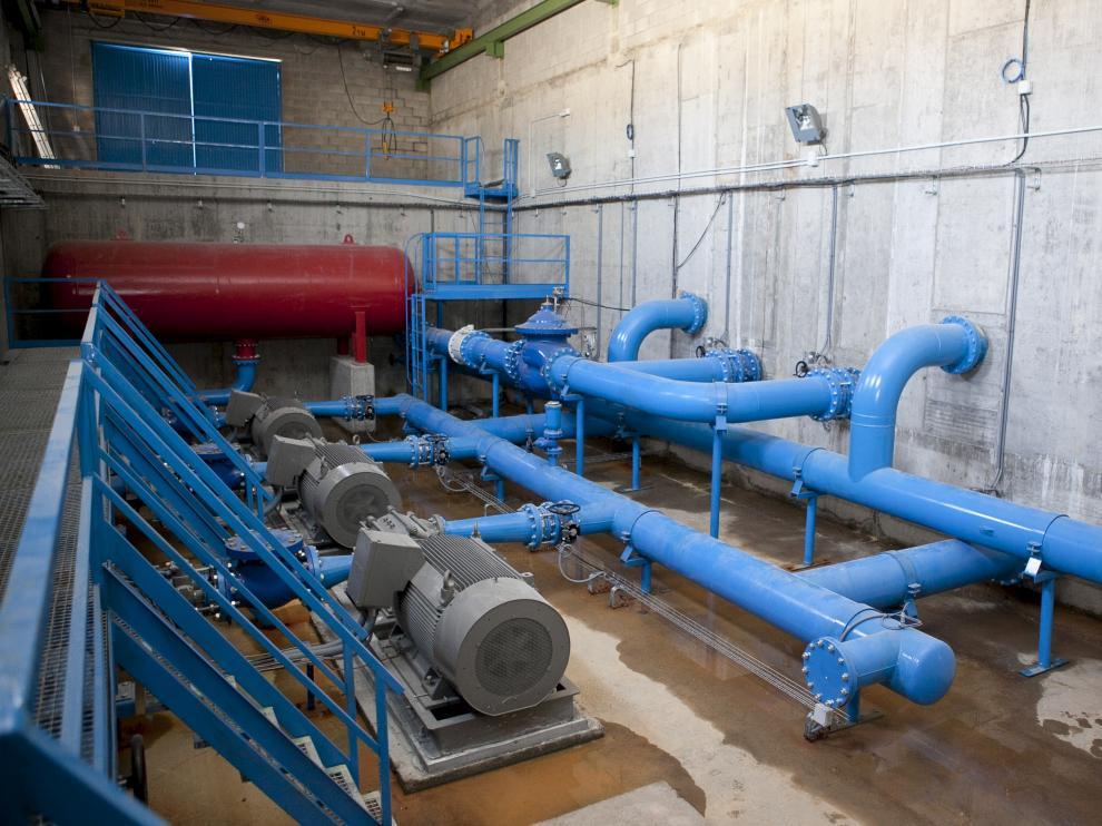 El subsuelo de Zaragoza está plagado de tuberías de suministro de agua.