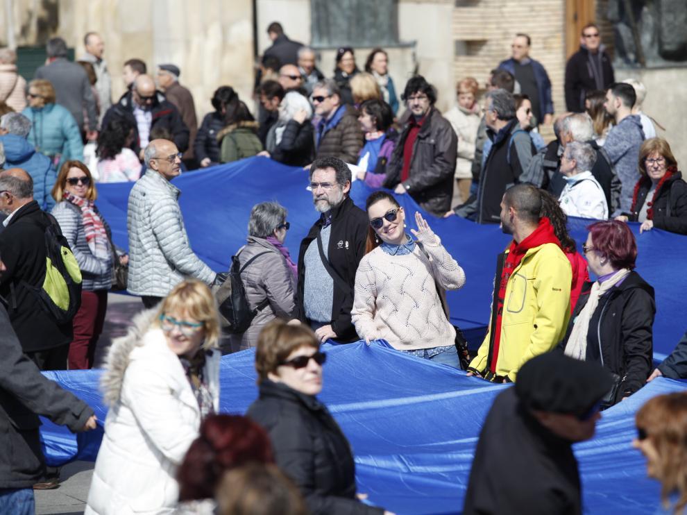 Concentración en la plaza del Pilar contra el Impuesto de Contaminación de las Aguas (ICA).