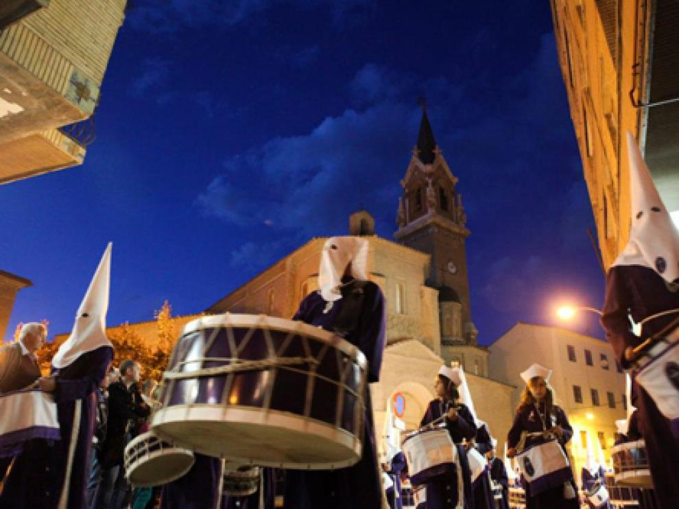 Una procesión de la Semana Santa de la Ribera Baja del Ebro.