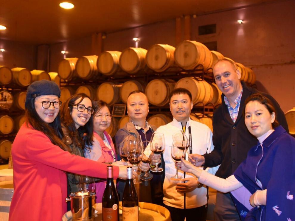 Imagen de archivo de una visita de una delegación china a las Bodegas San Alejandro, en Calatayud.