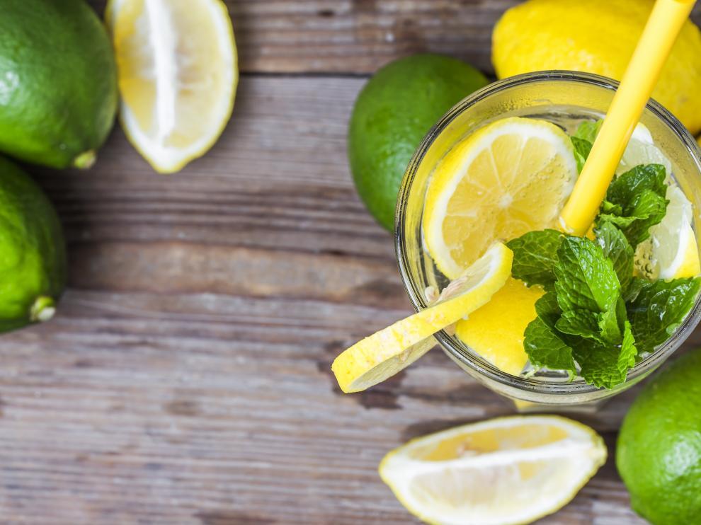 se puede tomar agua de limon todos los dias