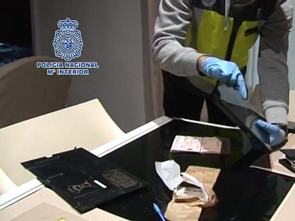 Imagen de una operación contra hackers la semana pasada en Barcelona
