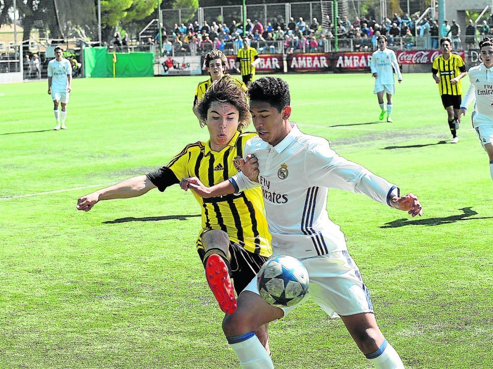 Un momento del encuentro entre el Real Zaragoza y el Real Madrid, uno de los mejores del torneo.