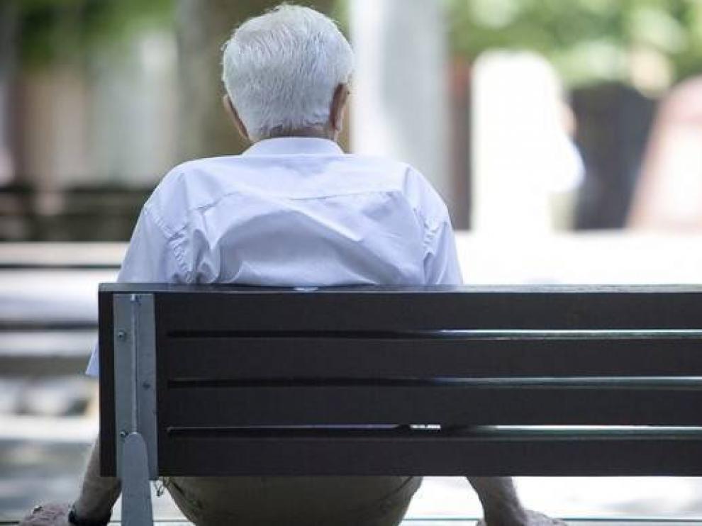 Los pensionistas aragoneses no llegan a ganar mil euros de media.