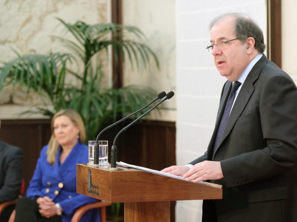 El presidente del Ejecutivo, Juan VicenteHerrera, durante la presentación de los Presupuestos de la Comunidad para 2017, este jueves.