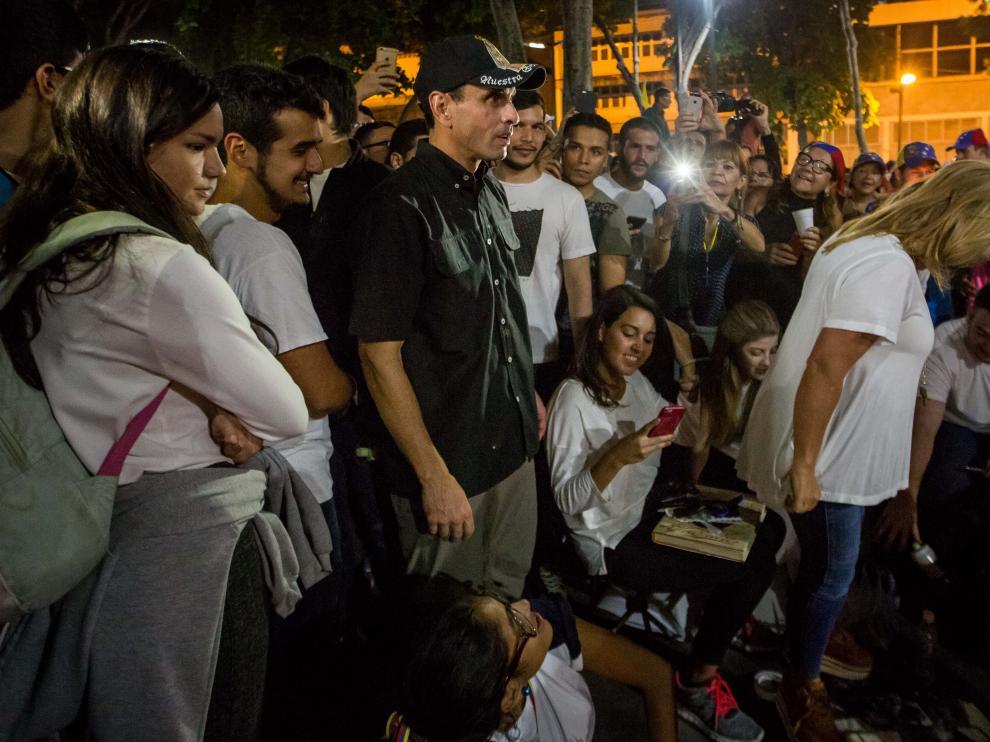 Henrique Capriles este sábado en un homenaje a las víctimas de las protestas en Venezuela.