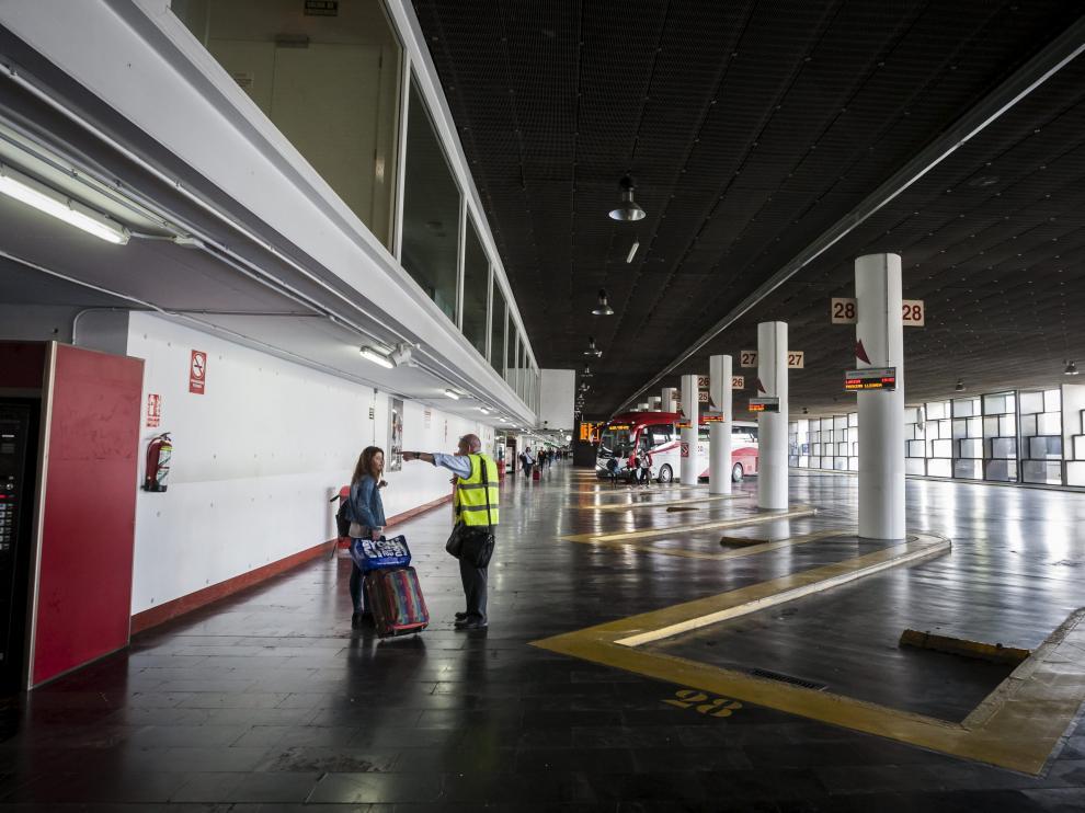 Los empresarios del transporte critican el tamaño (demasiado grande) de la estación.