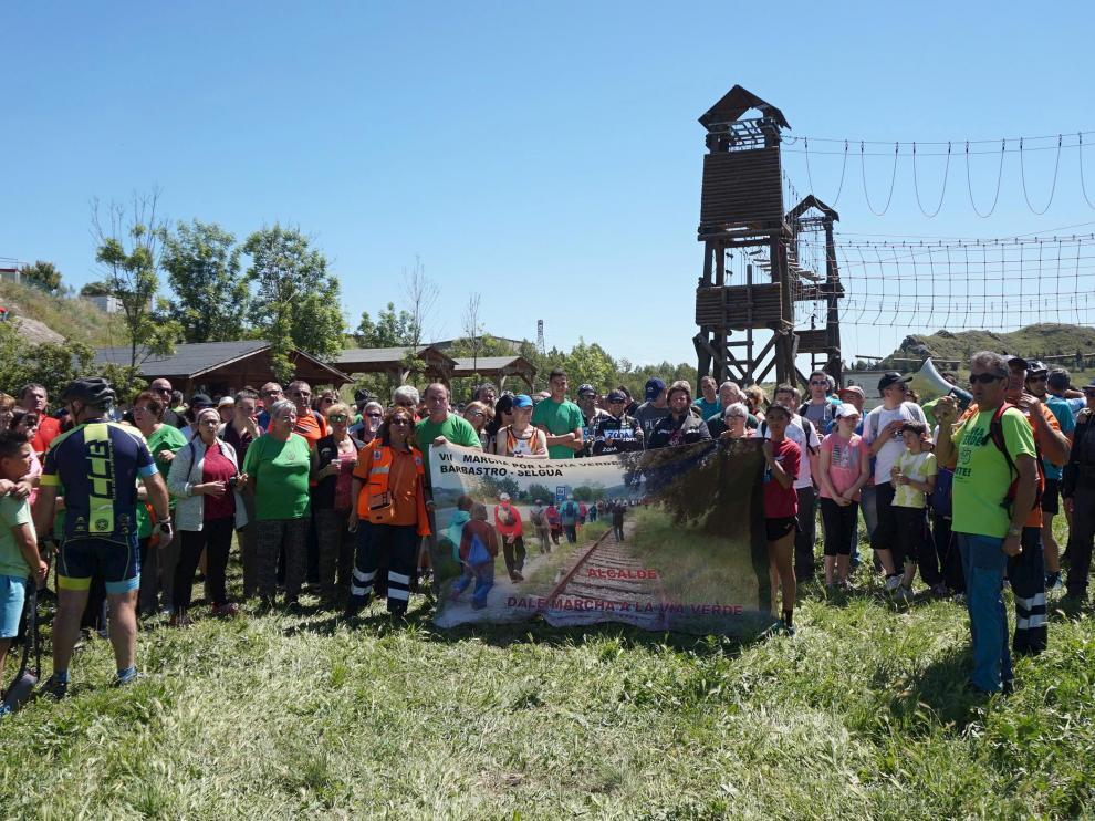 La marcha reivindicativa finalizó en el parque de Los Palomares en Castejón del Puente.