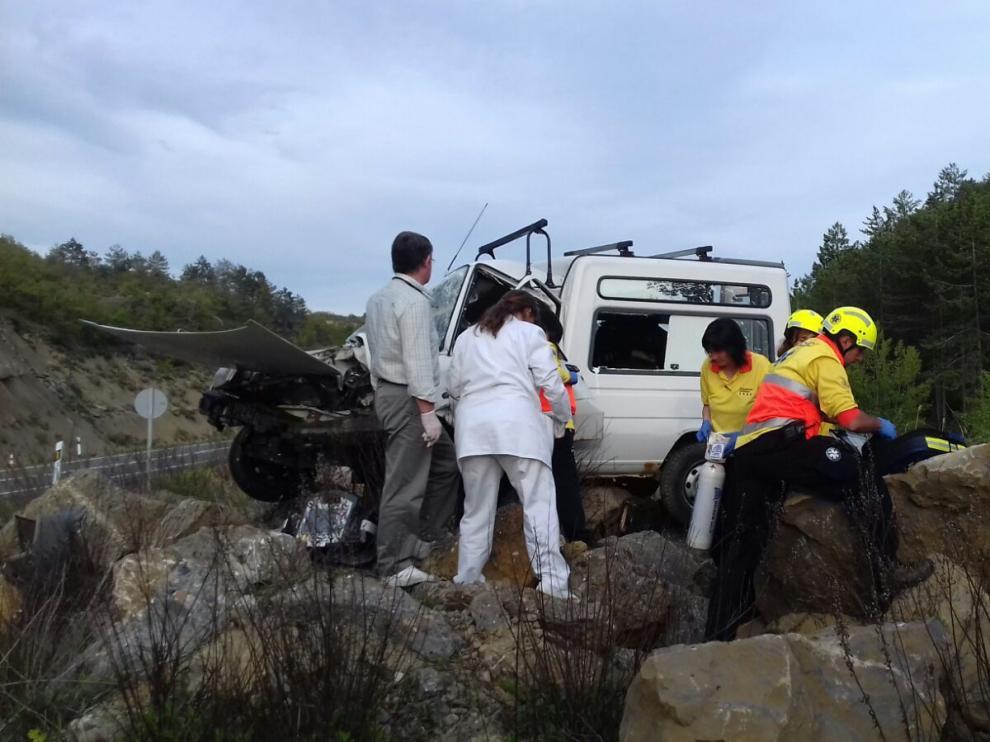 Herido un vecino de Arén en un aparatoso accidente en la N-230.