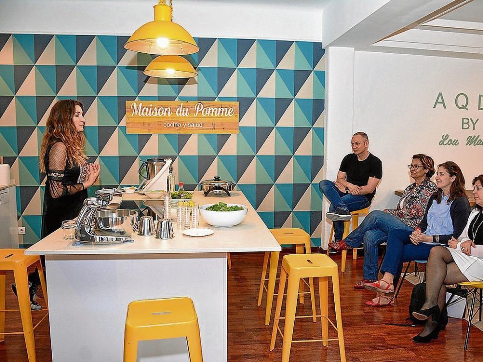 Lou Mateo durante el taller que ofreció la pasada semana en Maison du Pomme.