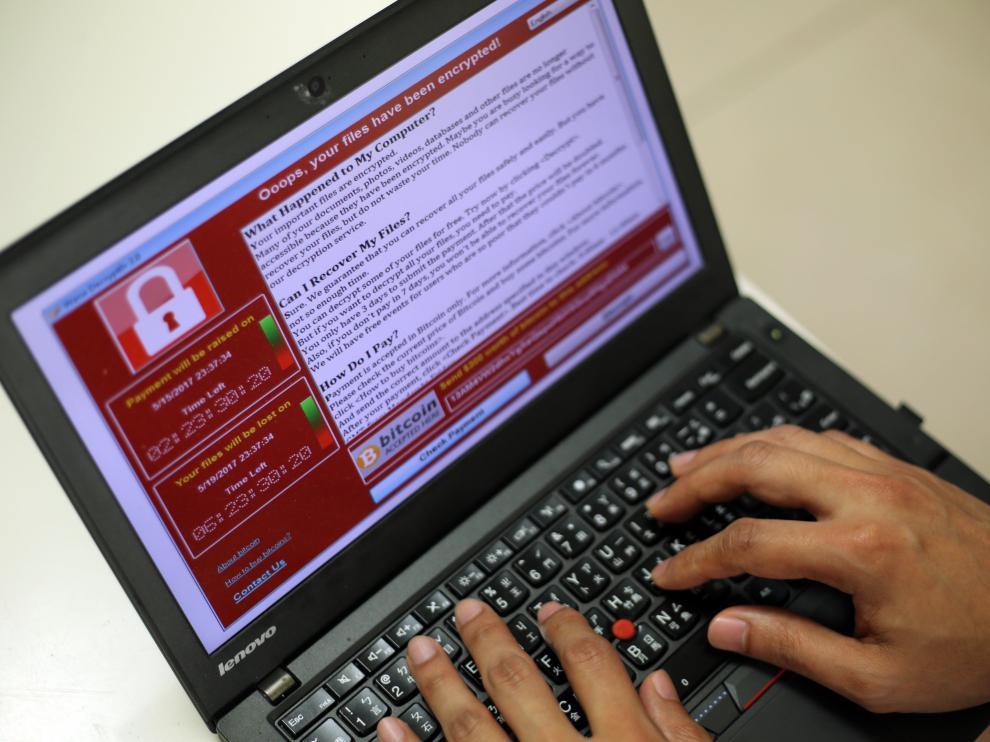 """El organismo de seguridad señala que los ataques con """"ransomware"""" como el que se ha producido en el Reino Unido, en el que un software malicioso exige un rescate para acceder a los ordenadores, suelen llevarse a cabo por """"grupos criminales""""."""