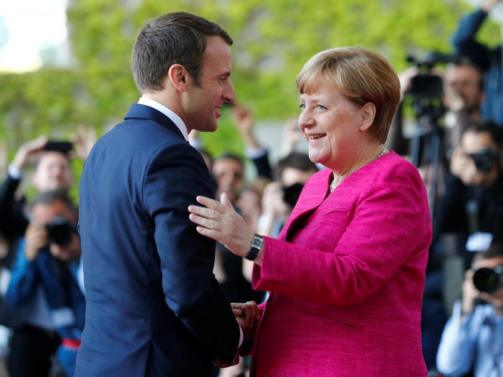 Macron y Merkel se reúnen este lunes en Berlín.