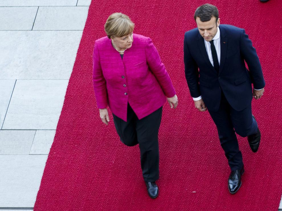 Macron y Merkel, en su encuentro de este lunes.