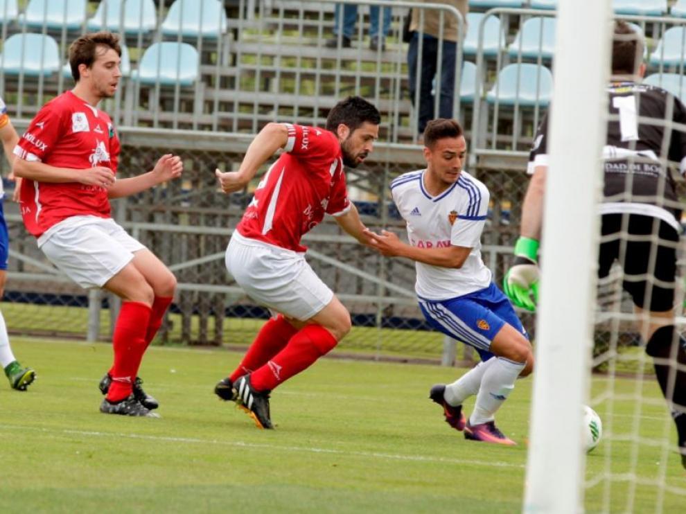 Un lance de juego del partido RZ Aragón-Borja de hace dos semanas en la Ciudad Deportiva.