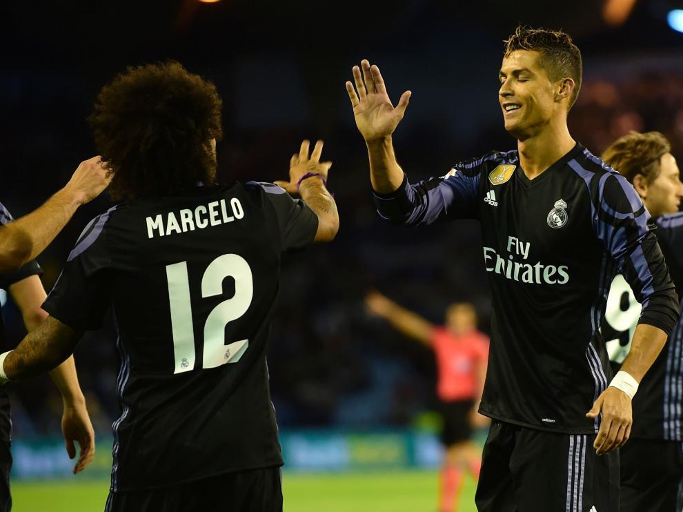 Ronaldo y Marcelo, tras uno de los goles del Madrid.