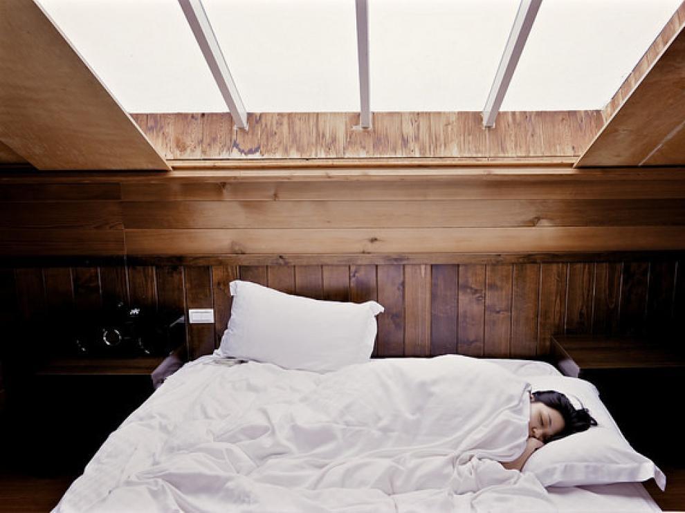 En nuestro cerebro existen neuronas que promueven la vigilia y neuronas promotoras del sueño