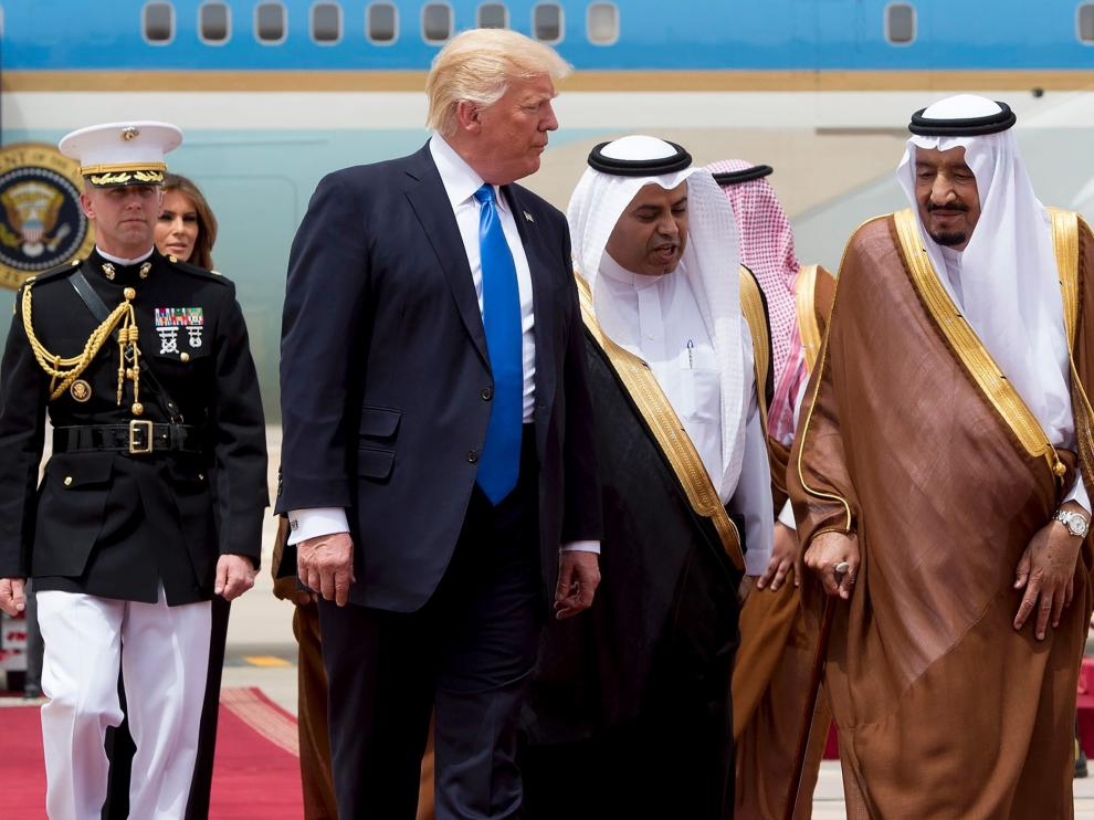 Los Trump llegan a Arabia Saudí.